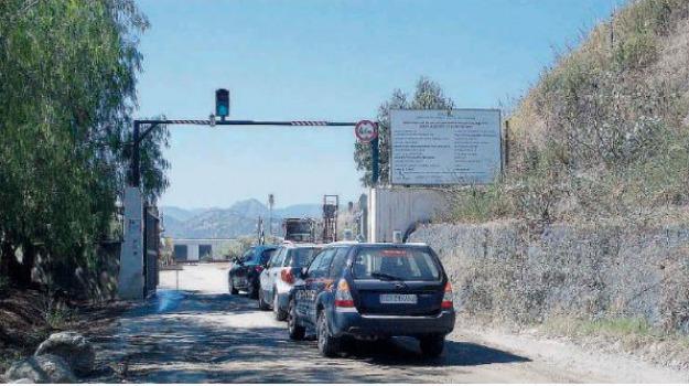 discarica, mazzarrà s. andrea, Messina, Sicilia, Archivio