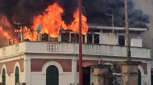 incendio villa, messina, sant'agata, Messina, Archivio
