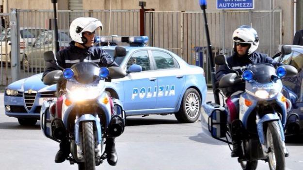 furto in casa di amici, messina, polizia, Messina, Sicilia, Cronaca
