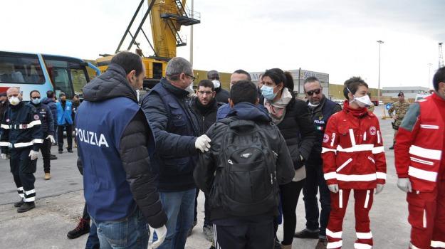 arrestati scafisti, migranti, pozzallo, sbarco, Sicilia, Archivio