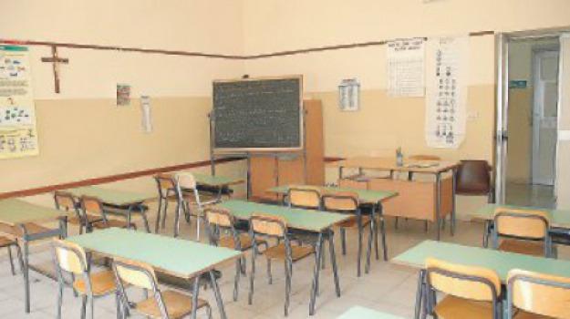 scuola reggio, stipendi assistenti educativi, vertenza assistenti educativi, Reggio, Calabria, Cronaca