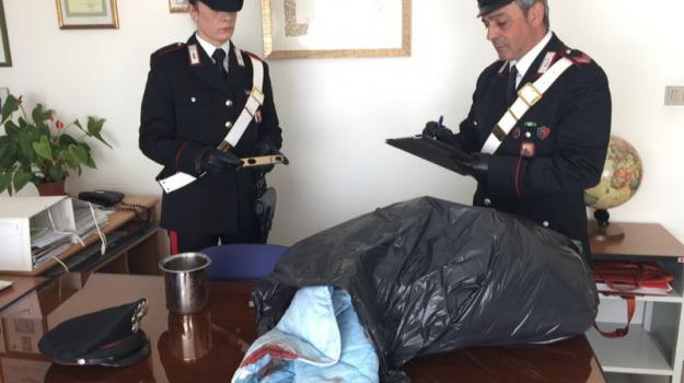 Arresto tentato omidicio, Colpi di pentola in testa alla moglie, pozzallo, Sicilia, Archivio
