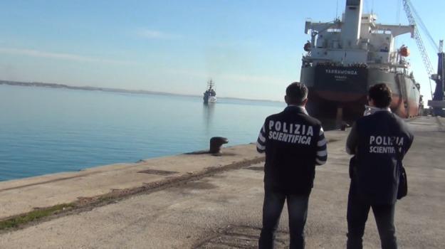 migranti, pozzallo, sbarco clandestini, Sicilia, Archivio
