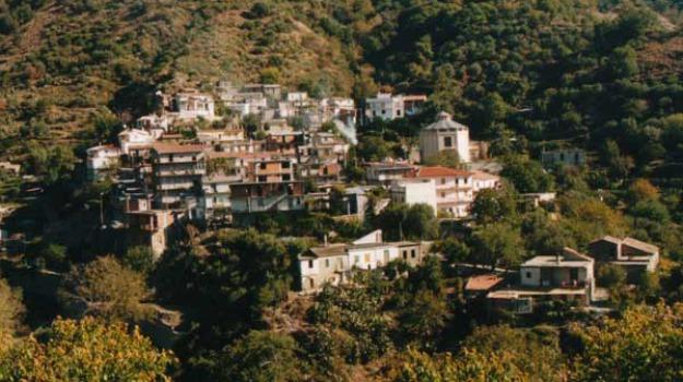 morto casalvecchio siculo, Messina, Sicilia, Archivio