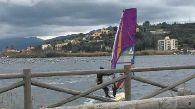 surf nel lago faro, Messina, Archivio