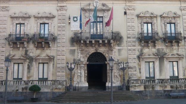 acireale, demolizione, ecomostro, riserva della timpa, Sicilia, Archivio