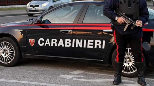 carabinieri, Commesse aggredite, due denunce, Furto scarpe, ragusa, Sicilia, Archivio
