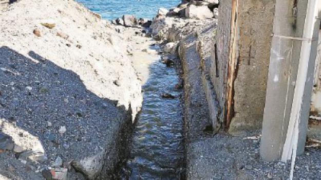 liquami in mare costa ionica, Maria Carmela Librizzi, Messina, Sicilia, Cronaca