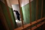 I detenuti mettono a ferro e fuoco il carcere di Sanremo, rivolta sedata dopo 4 ore
