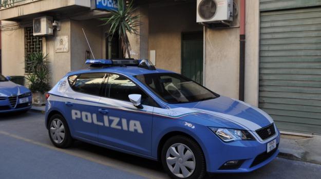 comiso, donna denunciata, polizia, Sostituzione di persona, Sicilia, Archivio
