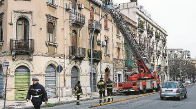 crollo calcinacci, Messina, Archivio