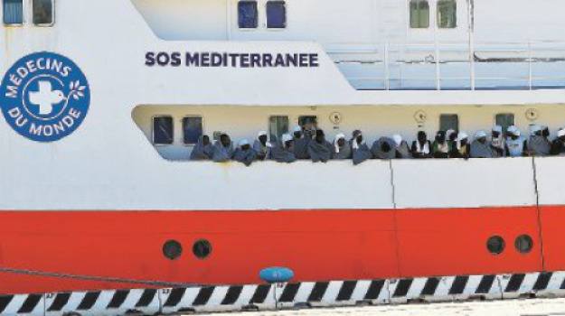 450 migranti, messina, ong, Messina, Archivio