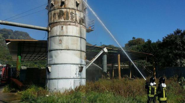 incendio fabbrica bare, Messina, Archivio