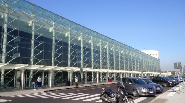 aeroporto catania, etna eruzione, fontanarossa, Sicilia, Economia
