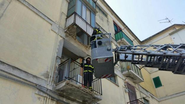 crolla balcone, Messina, Archivio