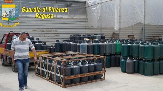 Deposito bombole Gpl, guardia di finanza, sequestro, vittoria, Sicilia, Archivio