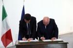"""FOTO: Renzi firma il """"patto per la Calabria"""""""