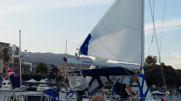 barca a vela, guardia costiera, salvataggio, stretto messina, Messina, Archivio