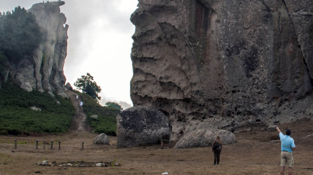 Argimusco, Arnaldo da Villanova, megaliti, montalbano elicona, La linea d'ombra