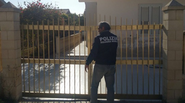 casa d'appuntamento, ispica, Marina di Marza, polizia, prostituta colombiana, Sicilia, Archivio