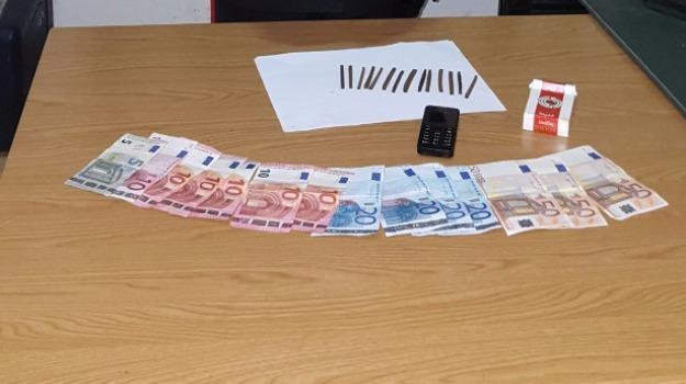 acate, spaccio di droga, tunisino arrestato, Sicilia, Archivio