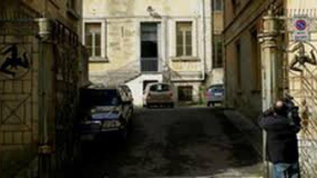 Apparecchiature informatiche, Ladri a scuola, Plesso Ecce Homo, ragusa, Sicilia, Archivio