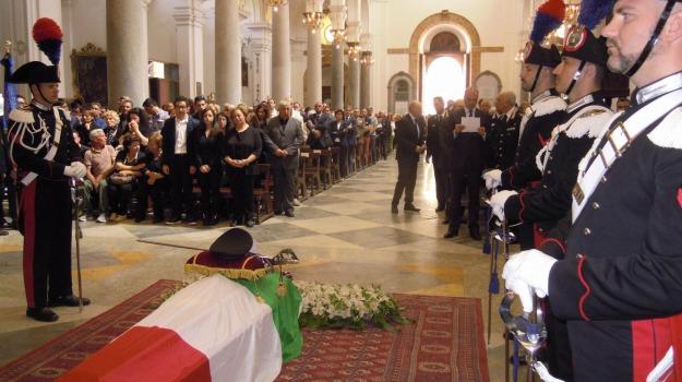 mirarchi funerale, Sicilia, Archivio