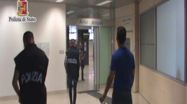 arresto in aeroporto, comiso, Operazione Samarcanda, polizia, Sicilia, Archivio