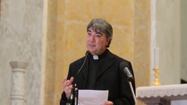 Domenico Battaglia, Catanzaro, Società