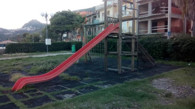 bimbo cade da scivolo, taormina, Messina, Archivio