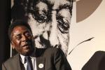 Brasile, Pelè incontra la sua statua