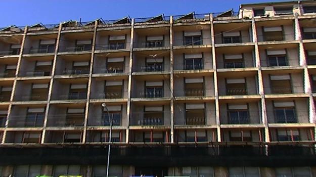 hotel riviera, risanamento messina, Messina, Sicilia, Economia