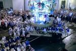 Una processione bellissima