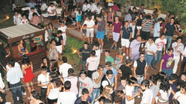 rissa al bar, Cosenza, Calabria, Archivio