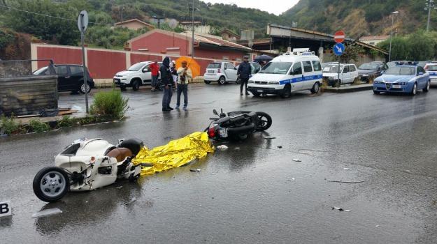 incidente stradale, messina, Messina, Sicilia, Archivio