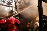 Incendio distrugge capannone a Gioia Tauro