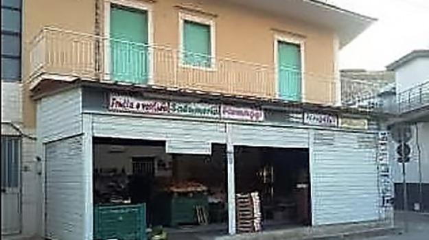 Casuzze, Fruttivendolo aggredito, santa croce camerina, tentata rapina, Sicilia, Archivio