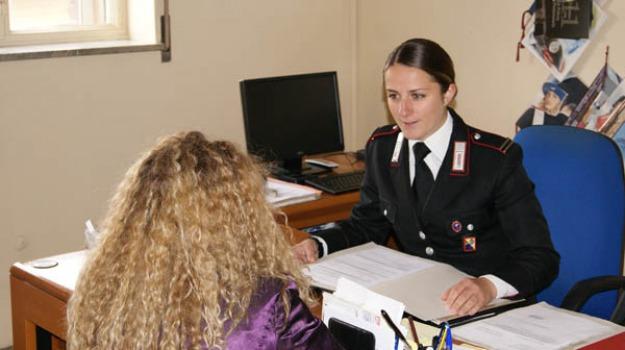 arrestato convivente, Carabinieri Vittoria, Picchia donna incinta, stalking, Sicilia, Archivio