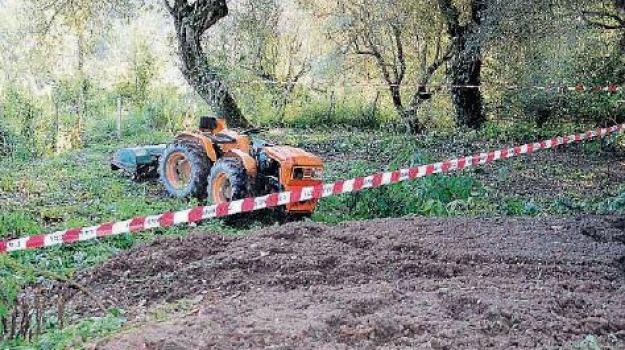 agricoltore morto, agricoltore schiacciato, san biagio platani, Sicilia, Cronaca