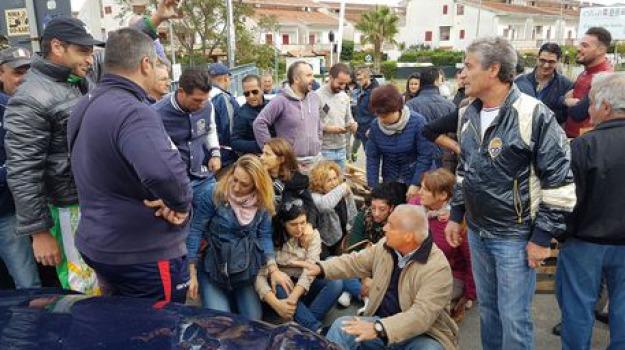 mandatoriccio, protesta contro migranti, Cosenza, Archivio