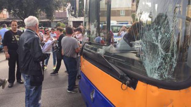 palermo, scontro auto-bus, Sicilia, Archivio