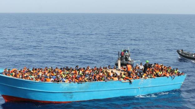 arrestati due presunti scafisti, pozzallo, sbarco migranti, Sicilia, Archivio