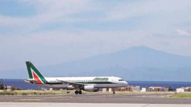 aeroporto, alitalia, stretto, Reggio, Calabria, Economia