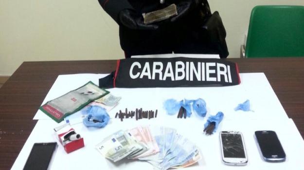acate, Arrestato nigeriano, Sequestro hashish, spaccio droga, Sicilia, Archivio