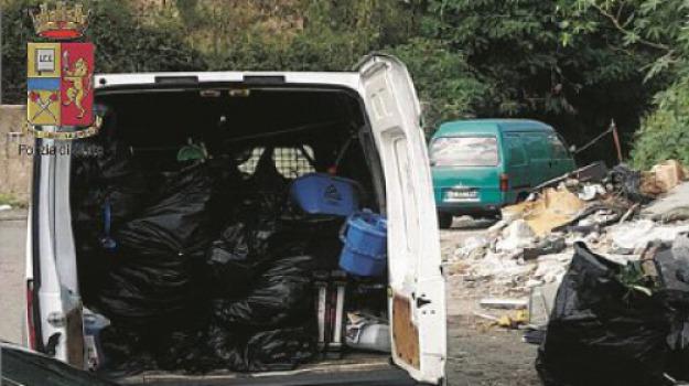 abbandono rifiuti, discarica, polstrada, Messina, Archivio