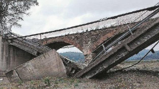 bruzzano, crolla il ponte, reggio calabria, Reggio, Archivio