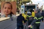 Incidente in via La Farina, muore una bimba