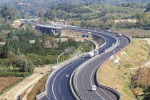 Un tratto dell'autostrada A2 dove sono in corso interventi di manutenzione