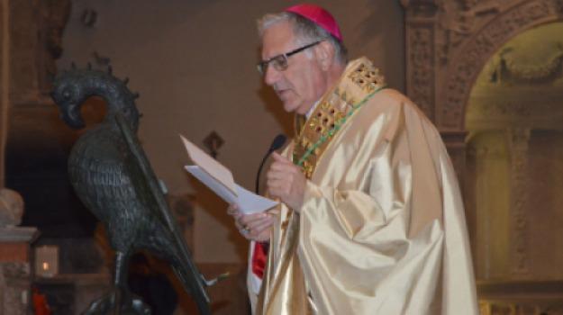 vescovo accolla, Messina, Sicilia, Archivio