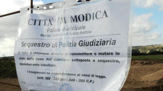Due denunce polizia municipale, Lavori in zona vincolata, modica, Sicilia, Archivio